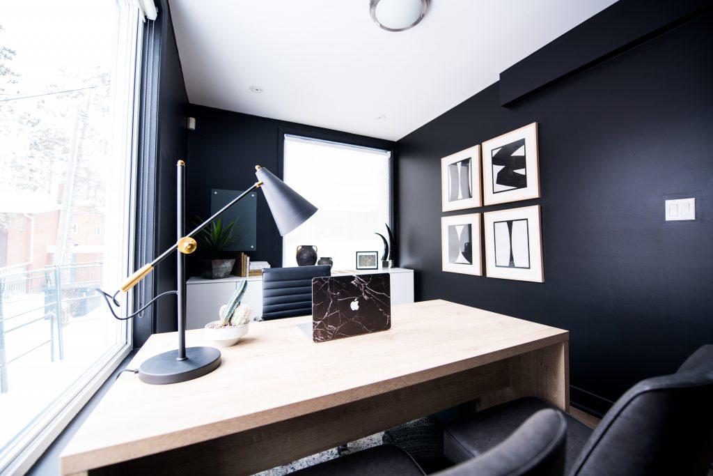 Bureau noir et blanc design